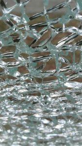 Szkło bezpieczne - rozbicie